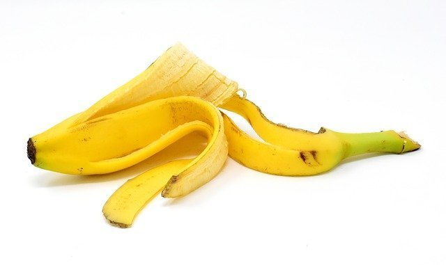 how to make soil fertile naturally with banana peels