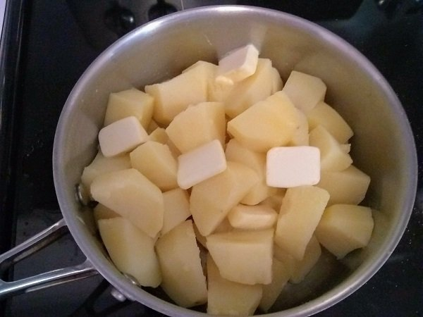 mashed potatoes - potatoes and butter
